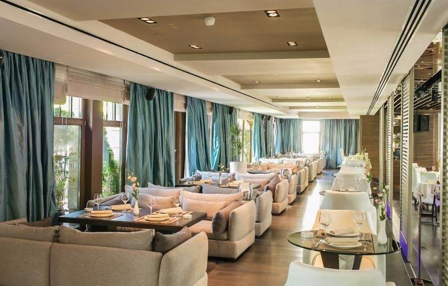 Оформление ресторанов диванами и креслами