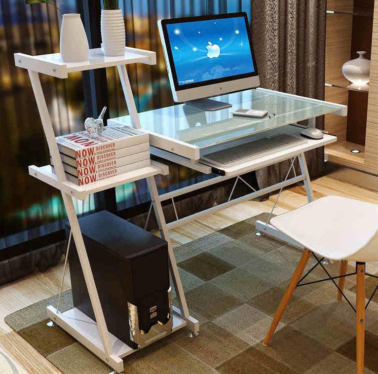 Стеклянный стол для компьютера
